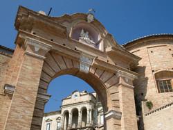 Italy-porta-san-nicola