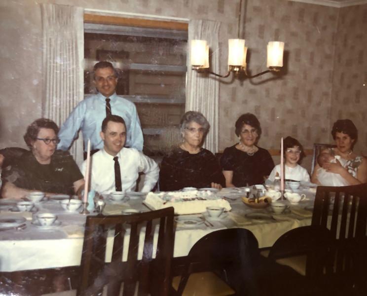 NanaSauer,John,Bob,NannyLucia,Granny,Gin
