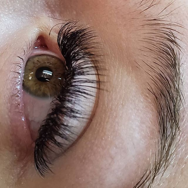 Natural Volume Lashes _#eyelashextension