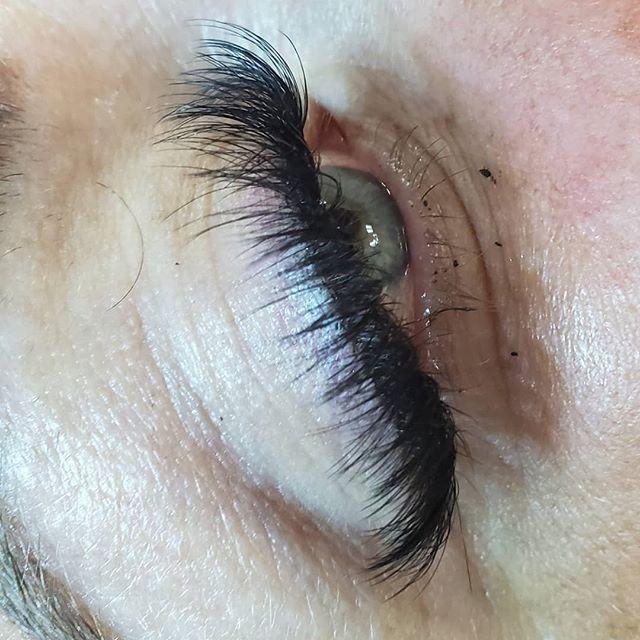 Wispy mega volume_#eyelashextensions #Wo