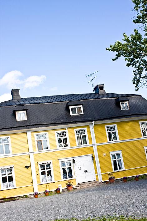 2 Melderstein exterior summer (6).jpg