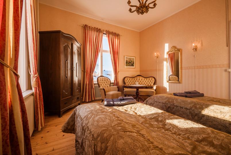 7 Melderstein twin room 2.jpg