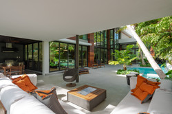 Outdoor Living Room for Seamless Entertaining