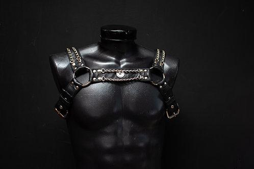 Arnés para pecho con cadenas