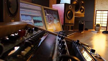 Studio27.jpg