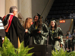 """Seneca Valley Class of 2016 Urged to """"Let the Sandpaper Work"""""""