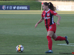 Washington Spirit Re-Signs Estefanía Banini