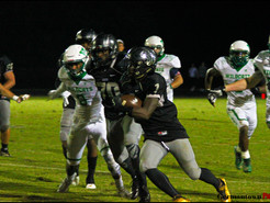 Farri's Four TDs Help the Jags Tame the Wildcats