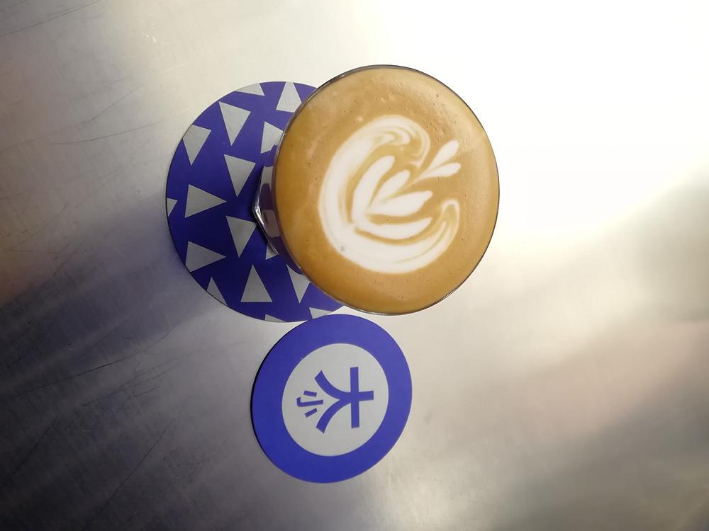 Cortado Piccolo Barista latte art coffee