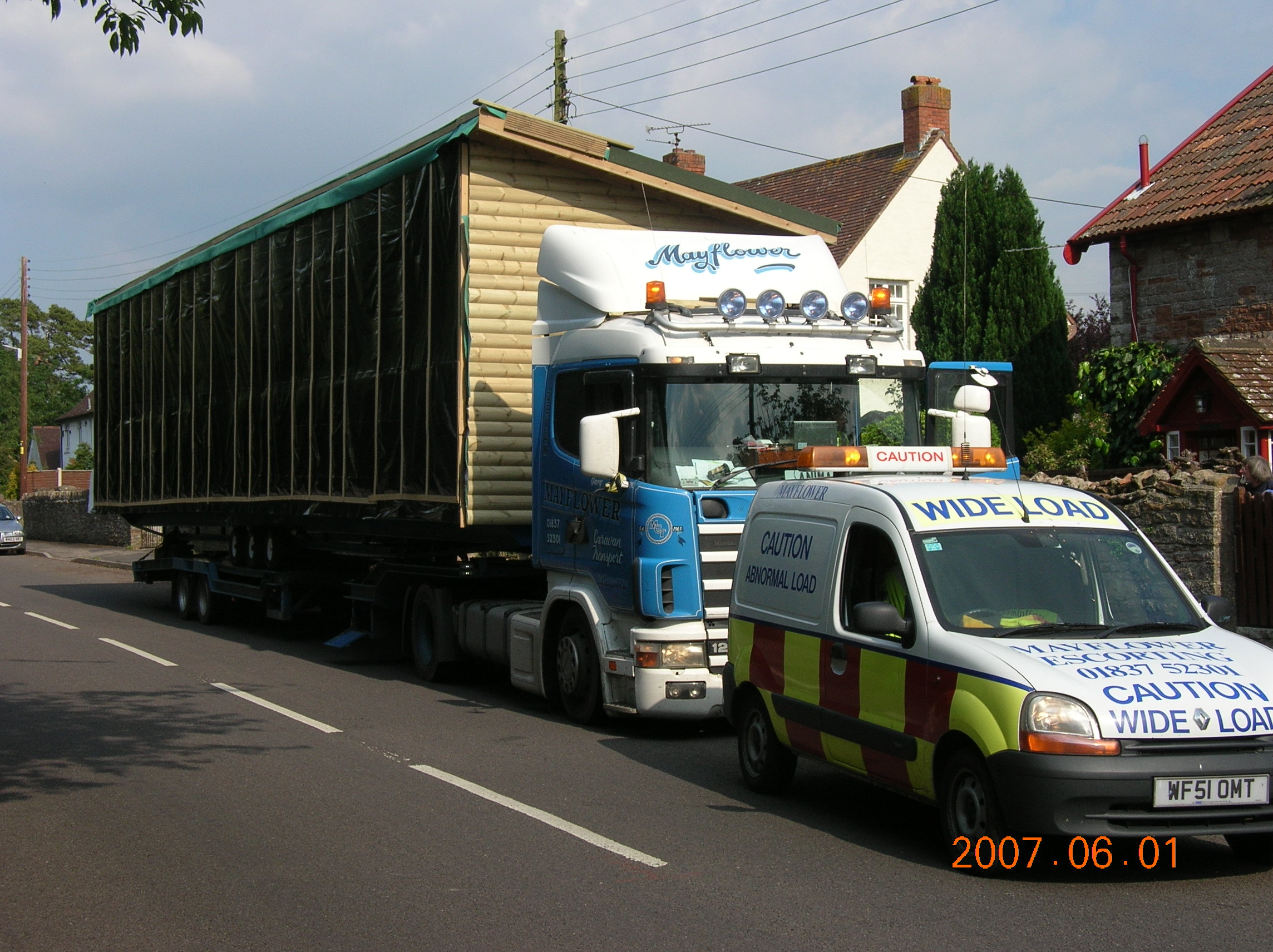 Mayflower Caravan Transport: Escort
