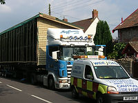 Mayflower transport, caravan transport, mobile home transport, mayflower caravan transport, caravan escort, escort, escorting