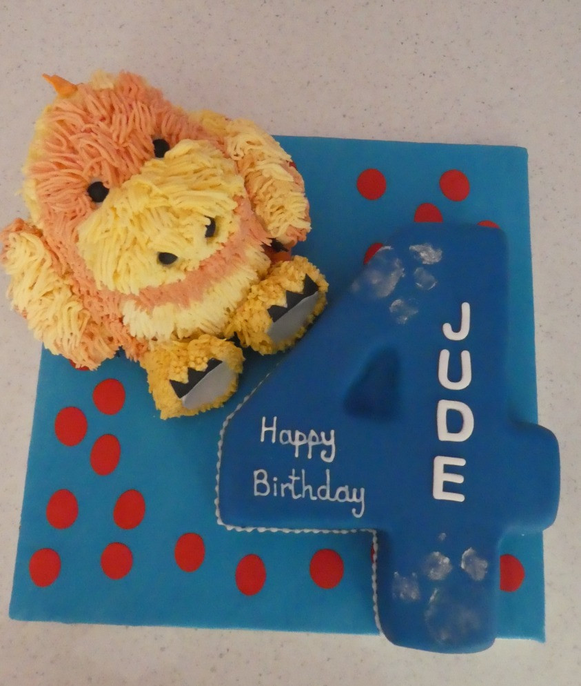 Child's favoutie toy cake