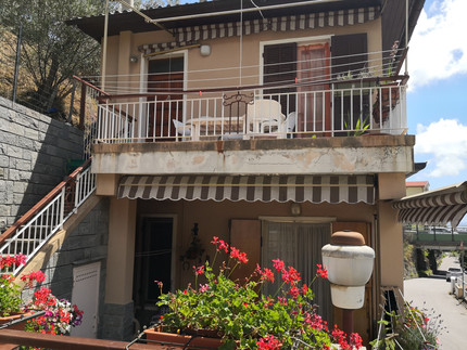 Varazze appartamento in  villa bifamiliare con terrazza