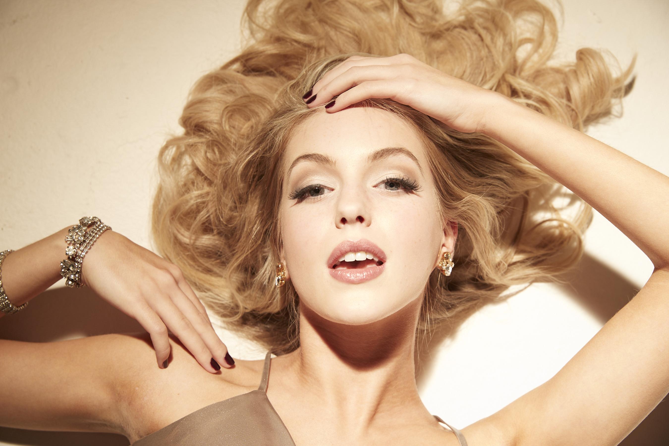 Gabby-Marilyn5868