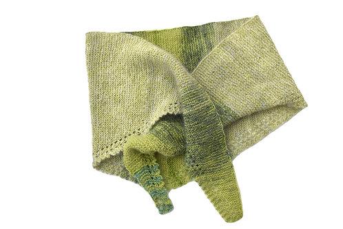 Dreieckstuch aus Mohair/ Seiden und Baumwolle/Seiden mit Farbtöne in beige/grün