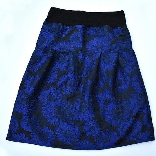 festliches Jupe mit kobaltblaue Blumen auf Schwarz