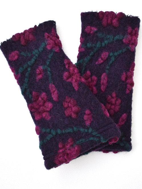 Pulswärmer/Armstulpen  Walk Blumen pink auf lila.
