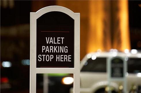 valet parking stop here.jpg