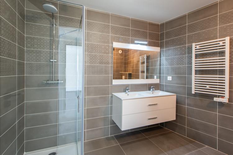 Oceanis - Monte Coast View-salle de bain ambiance calx grey