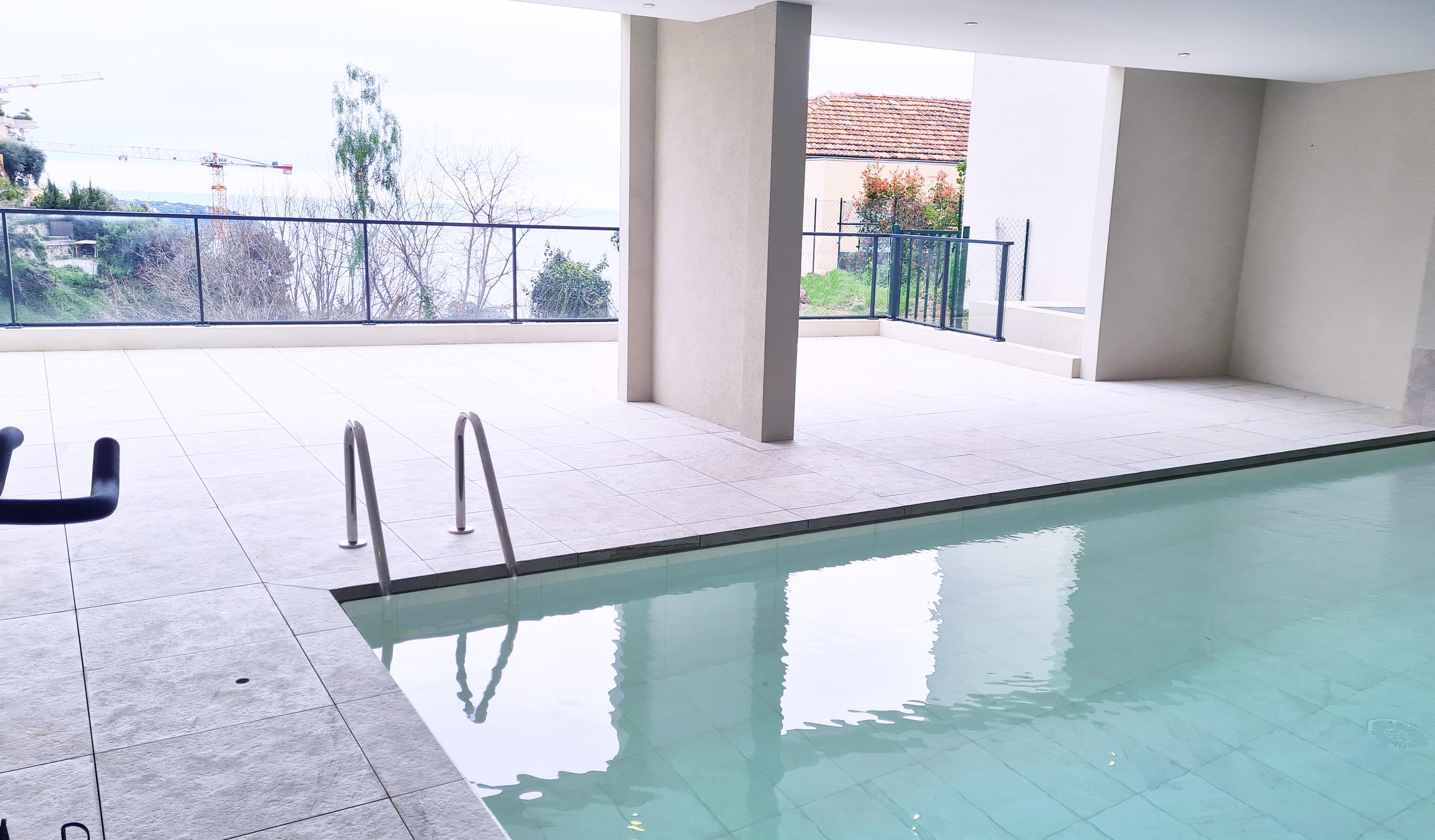 MCV Emotion - piscine intérieure - fitness
