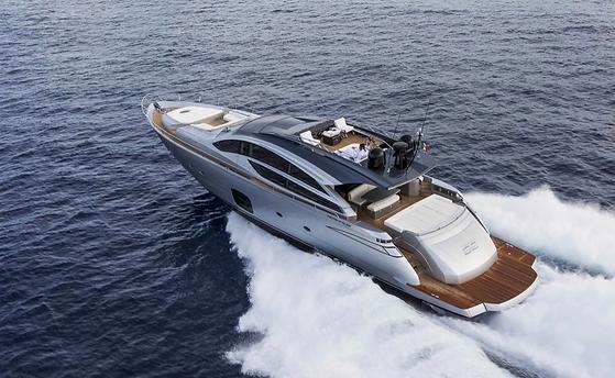 Motor Yacht Bagheera Pershing 82 VHP