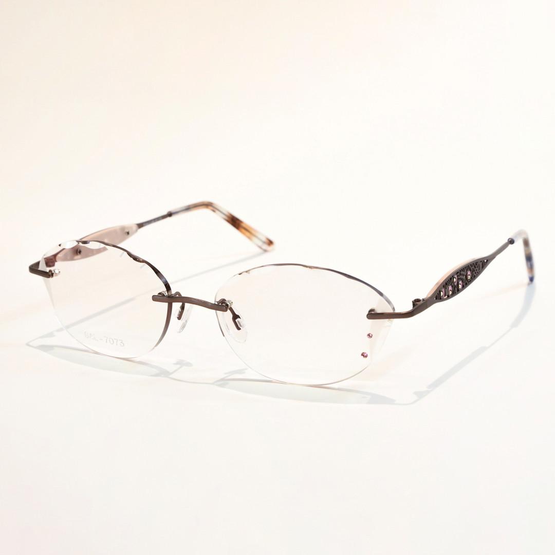 glasses_01.jpg