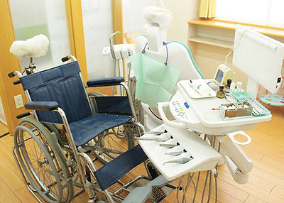 車椅子用診療台.jpg