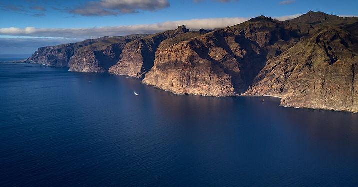 Los_Gigantes_Tenerife.jpeg