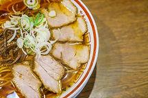 japanese-ramen-noodle-table.jpg