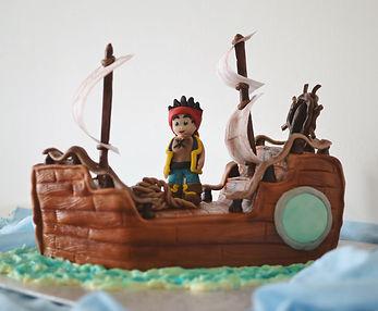 Pirátska loď