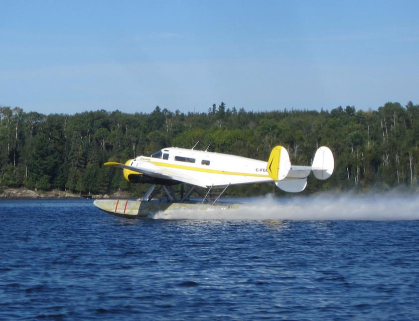 Beech 18 take off