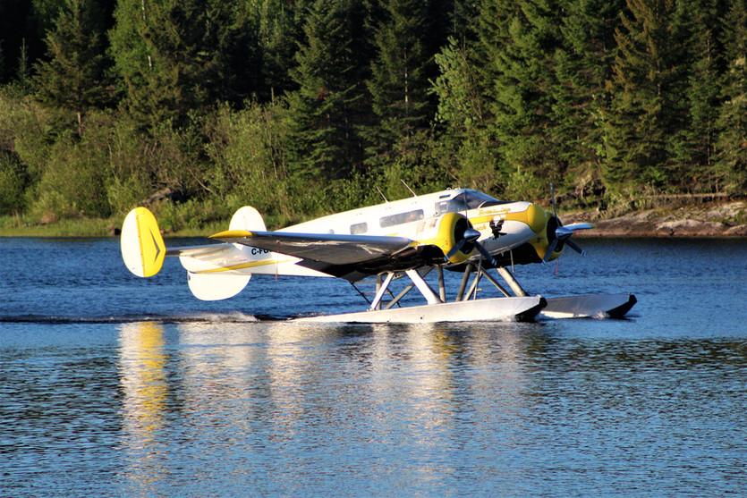 beech 18 floatplane canada.jpg