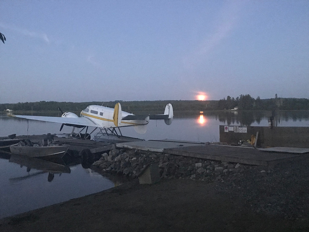 Beech 18,canadian fly-in fishing,gateway north outfitters