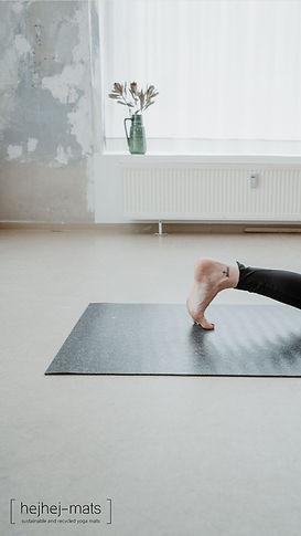 minimalism meets yoga.jpg