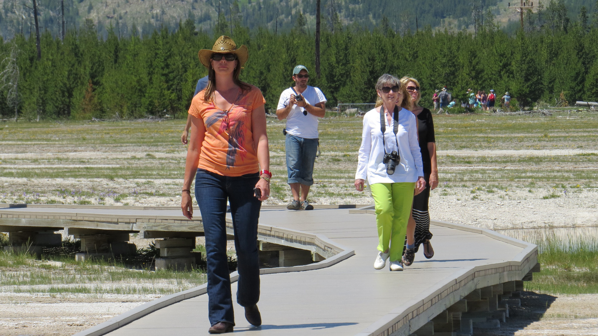 Yellowstone-tour-boardwalk.JPG