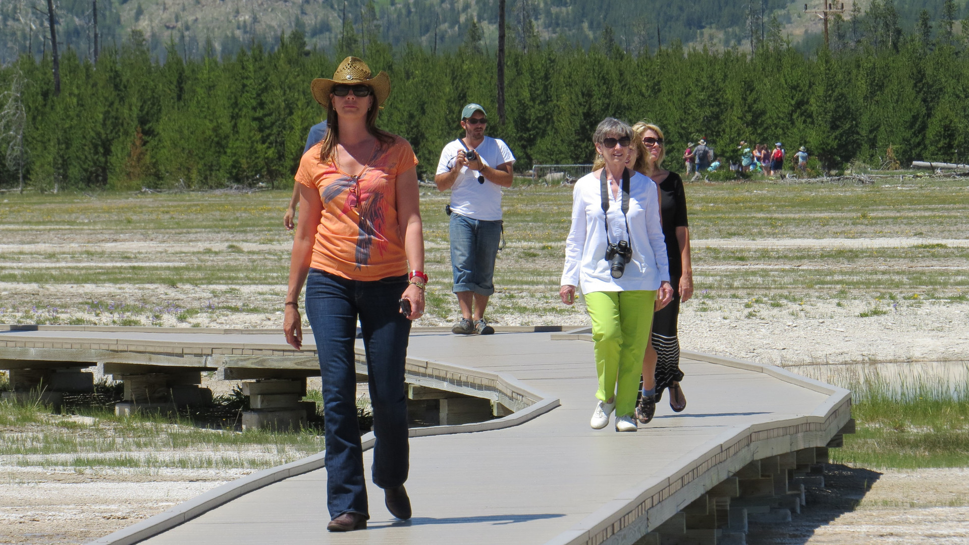 Yellowstone-tour-boardwalk.JPG