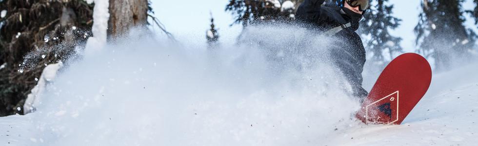 powder-snowboarding.jpg