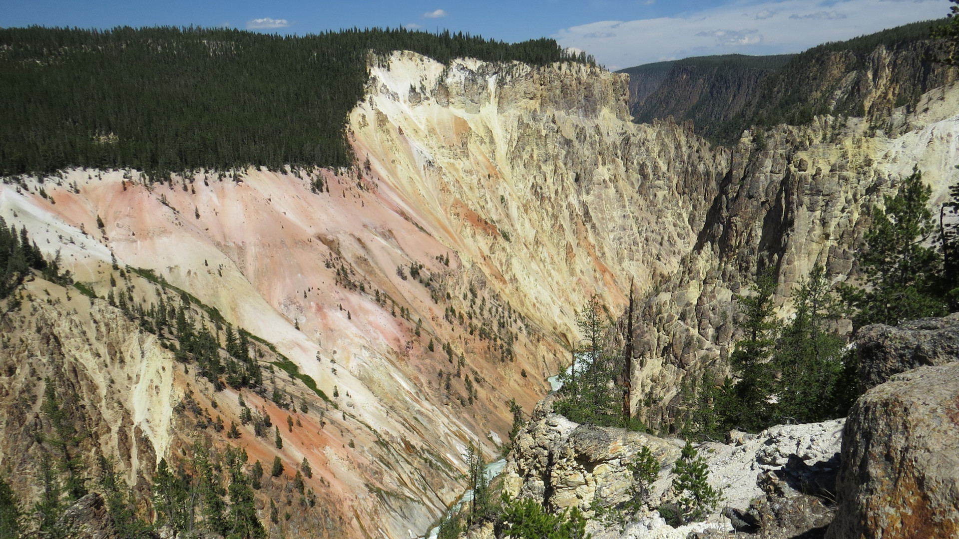 yellowstone-tour-grand-canyon