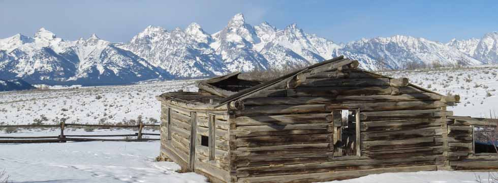 Yellowstone-Tour-Tetons-with-Barn.jpg