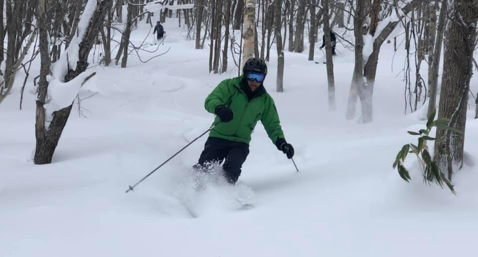 ski-powder-hiss_edited.jpg