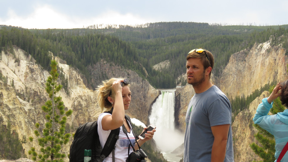 yellowstone-day-tours-lower-falls-guests