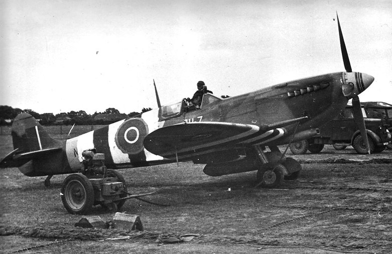 Major Werner Christies Spitfire IXe AH-Z