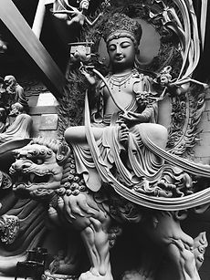 gautama-buddha-statues-3118569.jpg