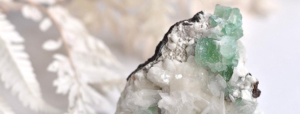 Green Apophyllite + White Stilbite + Huelandite