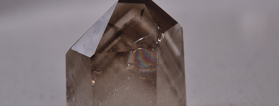 Black Phantom Quartz w. Rainbow