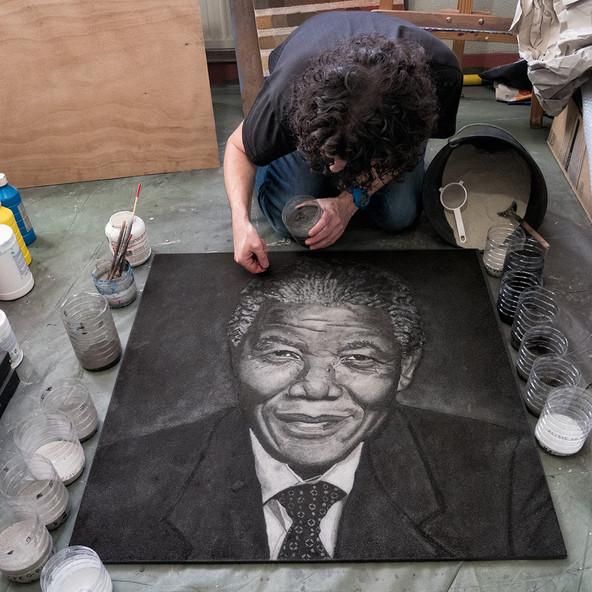 Nelson-Mandela-Portrait-Sable-David-Cadran-80x80cm.jpg