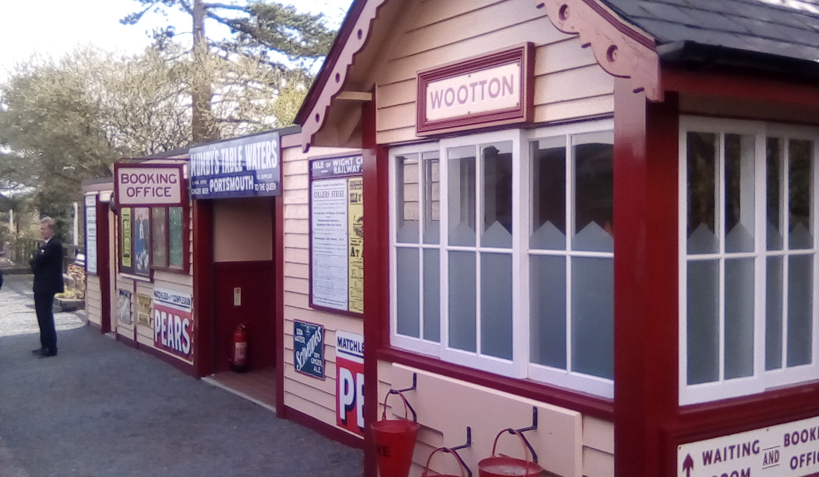 Wootton Station buildings.