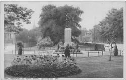 War Memorial, Euston Place