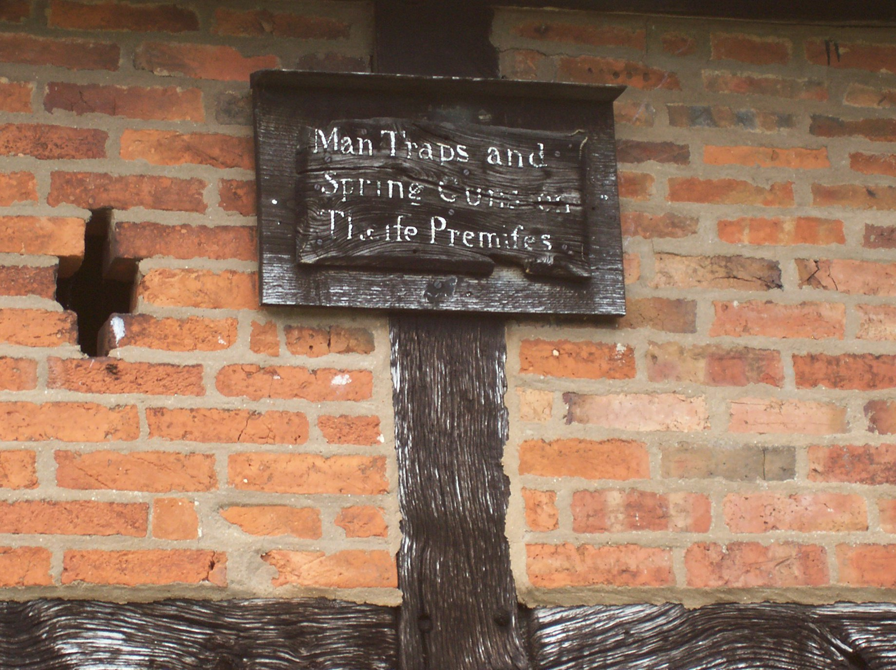 Cromwell Barn & Sign, Old Milverton