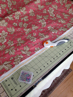 Cutting curtain fabric and lining